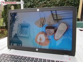 HP Envy 15-j011sg outdoors