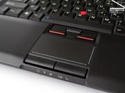 Auch die Touchpad/Trackpoint Kombination zeigt die üblichen Thinkpad Qualitäten und erlaubt eine benutzerfreundliche mobile Verwendung des Notebooks.