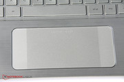 The touchpad has two zones on the left and right side that improve the handling of Windows 8.1.
