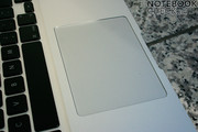 The new glass-trackpad has excellent gliding properties, but the drivers for Windows are only imperfect.
