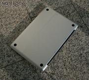 The aluminium case gets up to 45°C hot under Windows.
