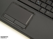 The touchpad works precisely and also supports multi-touch gestures.