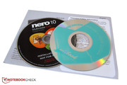 The accessories consist of a quick reference guide, a driver DVD and the Multimedia Suite from Nero.