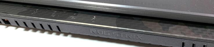 ASUS ROG Strix Scar II GL704GW (Core i7-8750H, RTX 2070) Laptop