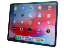 The Apple iPad Pro 12.9 (2018) tablet review.