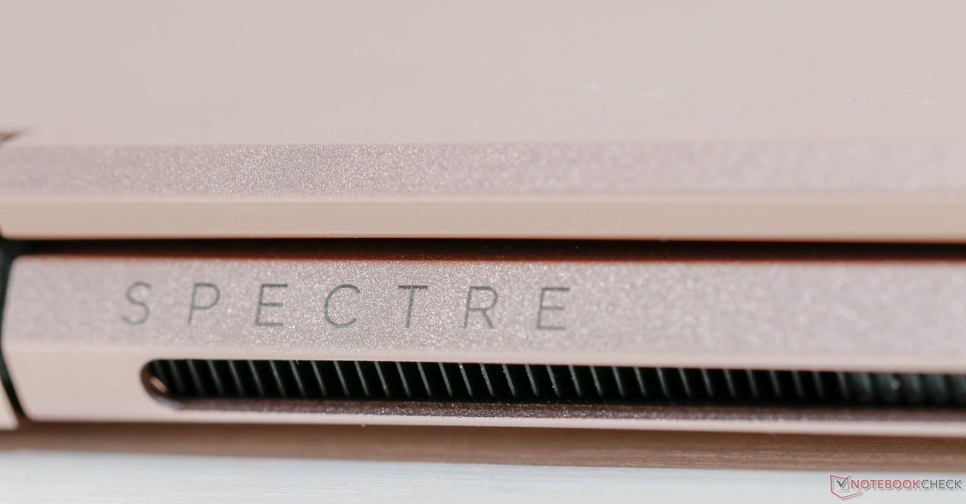 Hp Spectre X360 13t I7 8550u Fhd Ssd Laptop Review 13 Ae519tu The Surface Is Almost Immune To Fingerprints