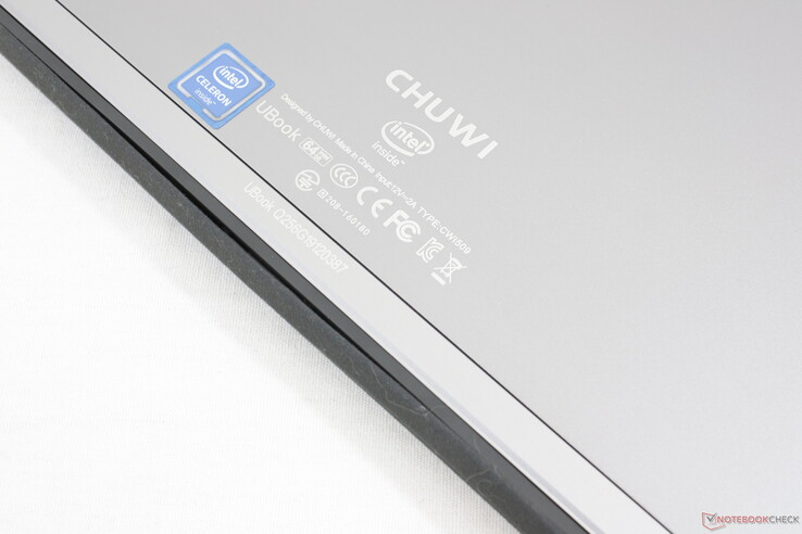 Large gap in the rubber seal prevents the keyboard pins from maintaining a reliable physical connection to the tablet