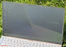 The ZenBook outdoors (sunny weather; direct sunlight)