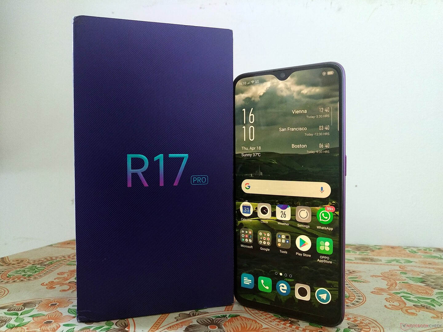 Oppo R17 Pro Smartphone Hands-on Review - NotebookCheck net Reviews