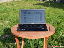 Asus VivoBook X751BP outside in sunlight