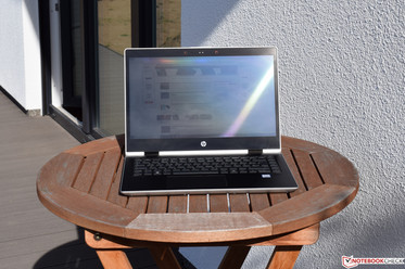 Using the HP ProBook x360 440 G1 in the sunshine