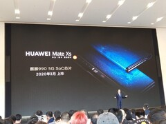 The Mate Xs is debuted on stage. (Source: XDA)