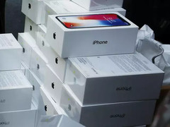 iPhone sales saw a 7% YoY decline in H2 2018. (Source: Gadgetsnow)