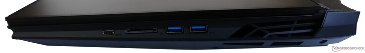 Right side: 1x USB 3.1 Gen1 Type-C, UHS-II SD card reader, 2x USB 3.1 Gen1 Type-A