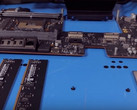 The DIMM modules and SSD in the latest iMac Pro. (Source: MacRumors)
