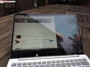 Using the Lenovo Toga S730-13IWL / IdeaPad 730S-13IWL outside on a cloudy day