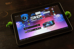 Samsung releases video of Tab 10.1 in action