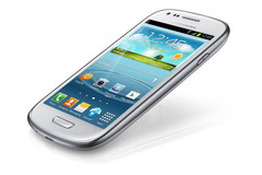 Samsung stops SIII Android 4.3 update due to reports of software issues