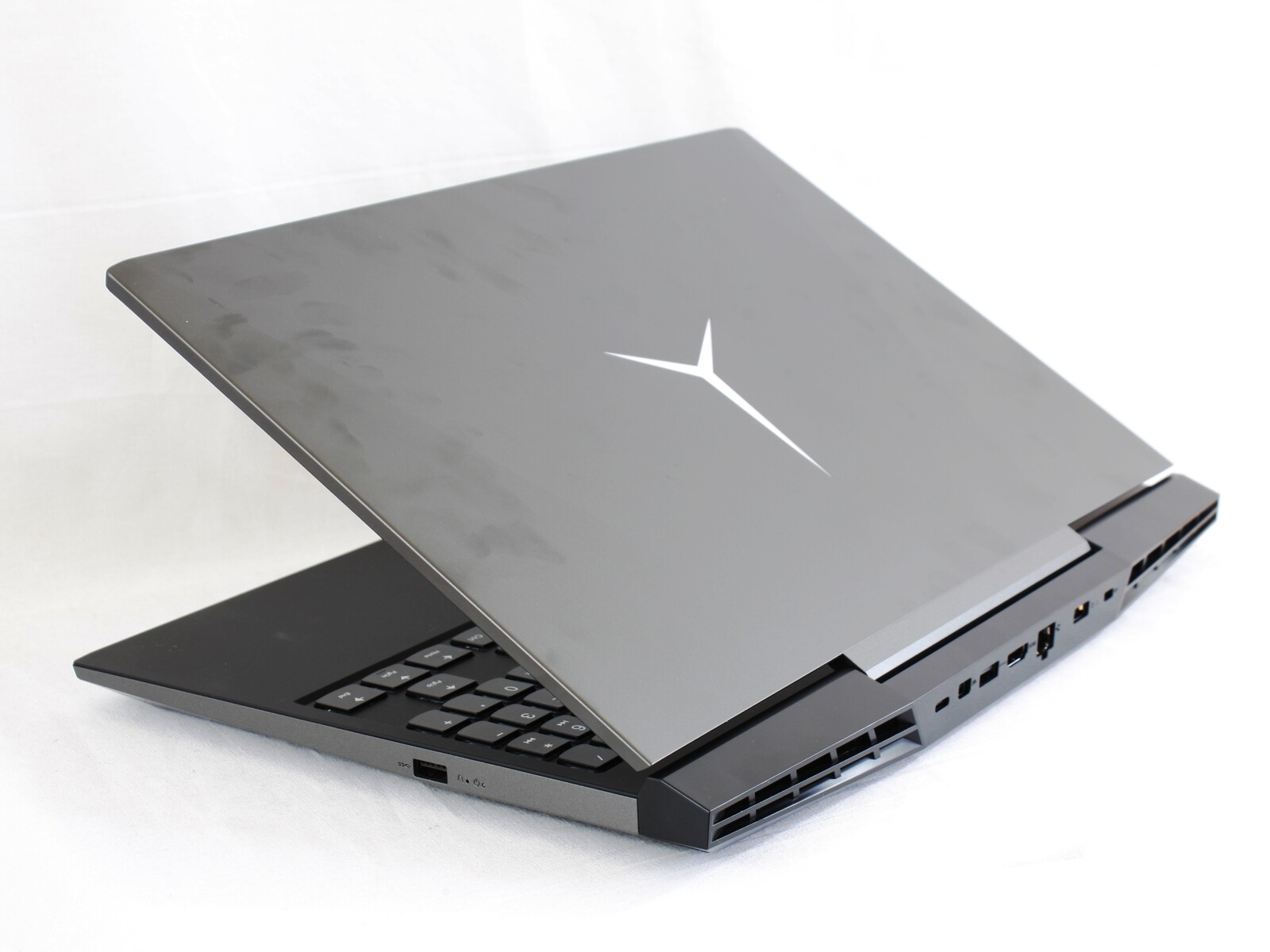 Lenovo Legion Y7000P-1060 - Notebookcheck.net External Reviews