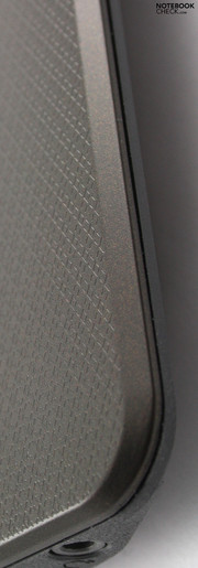 Asus K52JR: Pattern on the wrist-rest.