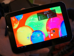 Toshiba demos the AT470 tablet with Super AMOLED panel