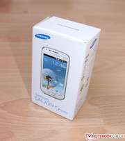 Samsung's Galaxy S DUOS comes in a compact box and
