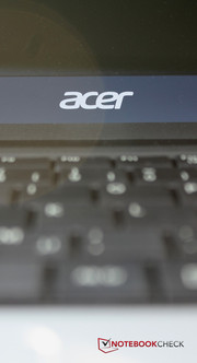 Acer treats the Aspire E1-571G to...