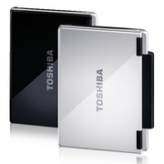 Aside from the color option of Cosmos Black and Brighter Silver, Toshiba offers the NB-100 in two versions.