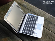 The 10.1 inch Netbook has a non-reflective HD Ready display (1366x768).