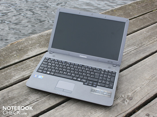 Samsung P530 Pro Pitts: Simple office notebook with plus points in the areas of ergonomics, input devices and display.