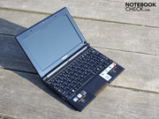 The NB520-108 (here the brown variant) is equipped with an Intel Atom N550 (2x1.50GHz).