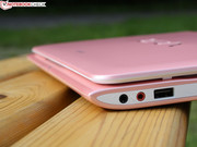 The case is made from pink, matte plastic