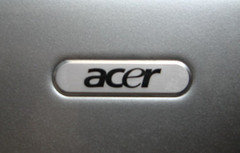 Acer announces slide tablet for Christmas 2011 release