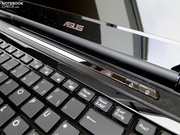 There are barely any multimedia laptops without extra touch keys. It seems that the G60J follows the trend in this matter.