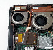 At first you'll recognize the two huge fans, whereby one cools the CPU, the other exclusively the graphics card.