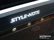 "The ""Style-Note"" logo is illuminated, just like the three quick-start buttons for starting the web browser among other things."