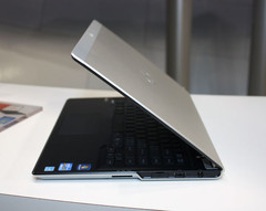 Fujitsu Lifebook UH572 with Ivy Bridge demonstrated at CeBIT