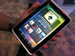 Best Buy drops HTC Flyer to $300
