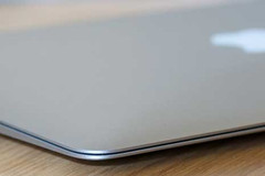 Apple might be planning a 14-inch Macbook Air