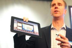 AT&T openly defends $500 Motorola Atrix notebook dock