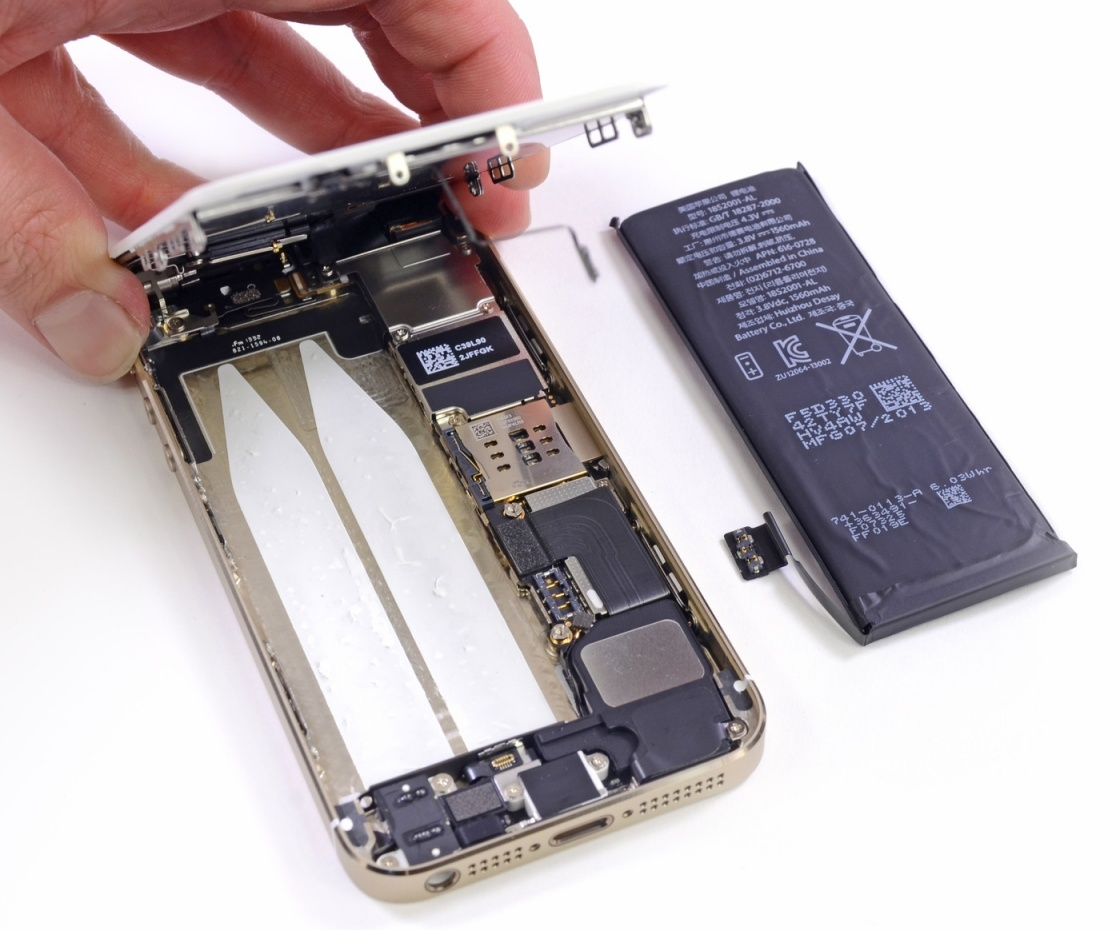 iphone 5 not holding charge apple acknowledges iphone 5s battery issues 6027